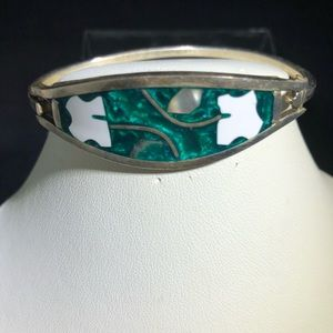 Jewelry - Vintage Green and abalone inlay bracelet